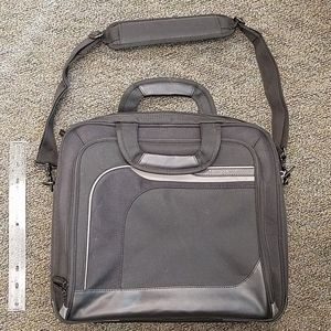Black Targus laptop work bag